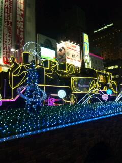 新橋駅前のSLイルミネーション